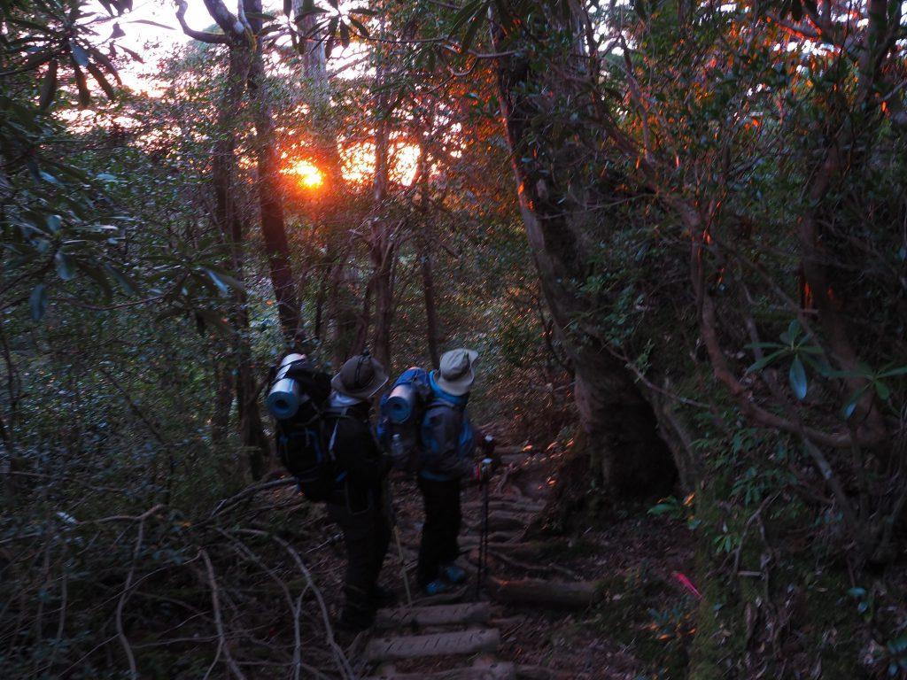 淀川登山口の朝焼け