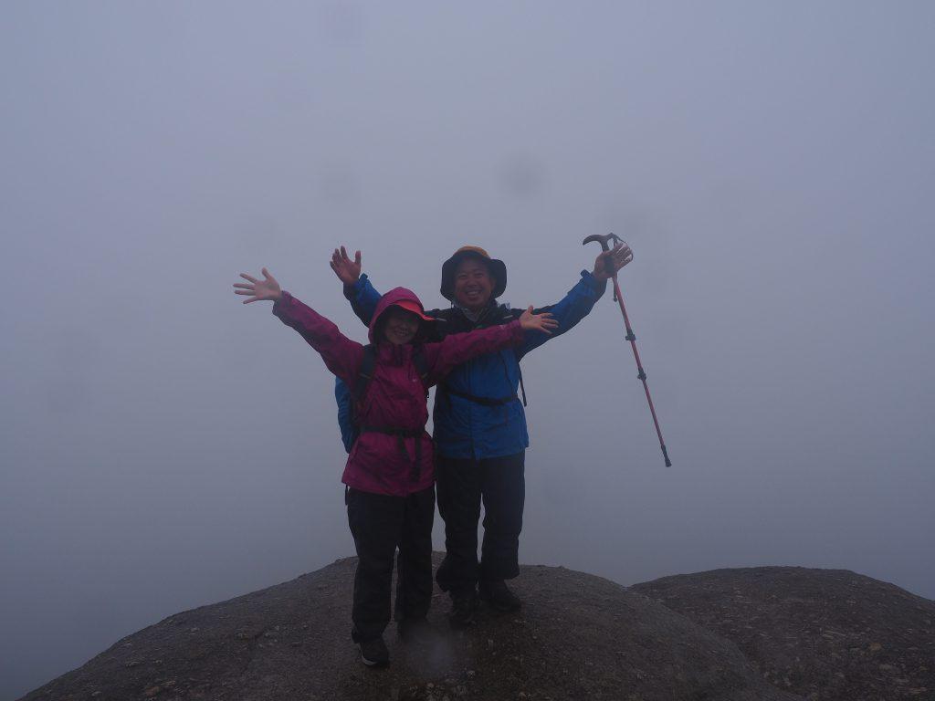 白谷雲水峡の太鼓岩からの景色は真っ白