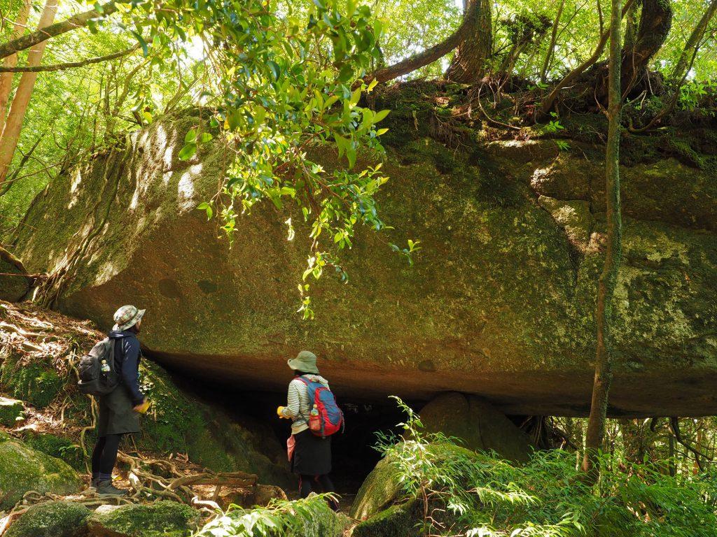 白谷雲水峡の辻の岩屋