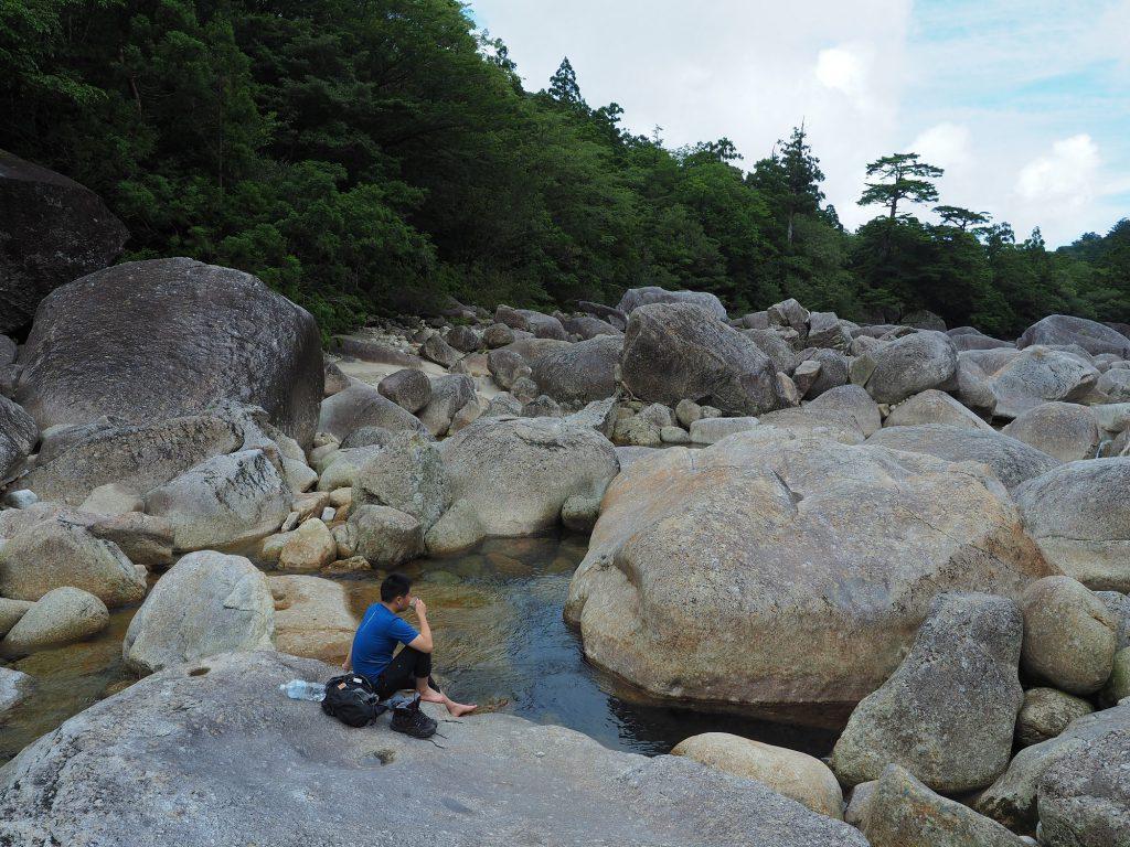 小杉谷の安房川で休憩