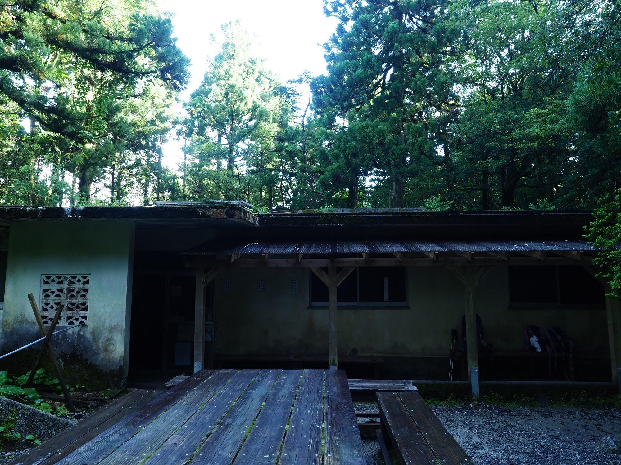 白谷山荘 避難小屋