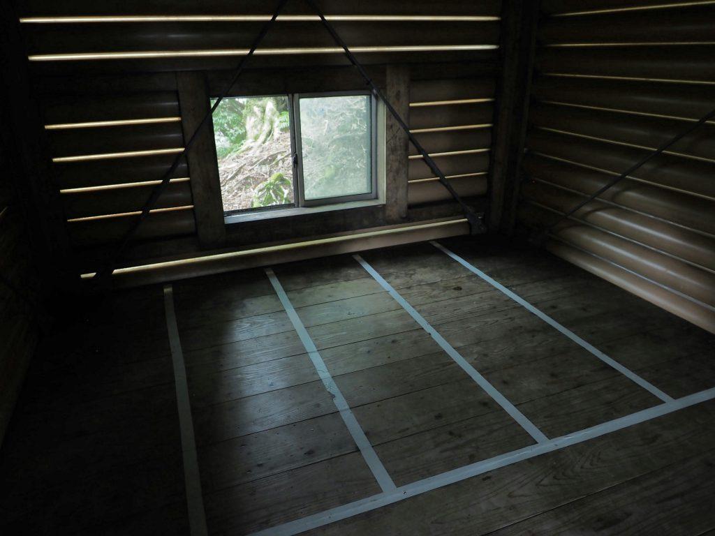高塚小屋2階